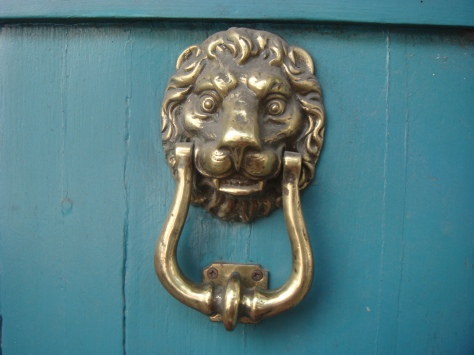 4.4-DoorKnocker